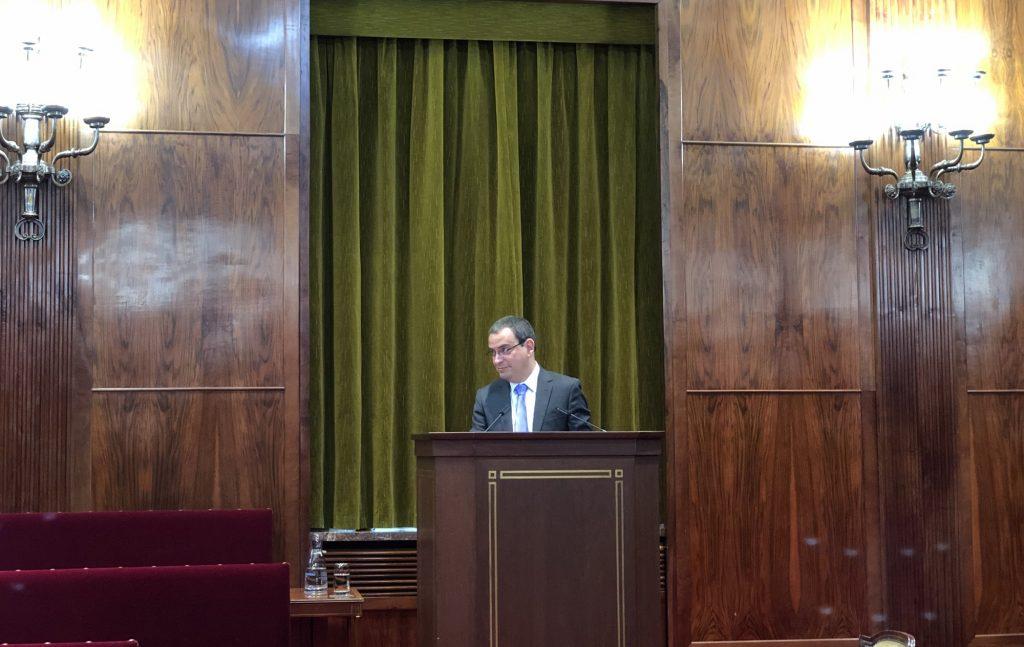 El profesor David Kimber en la Universidad de Navarra.